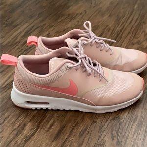 Nike Air Max Thea blush pink